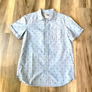 Men's North Face short sleeve tent button up.